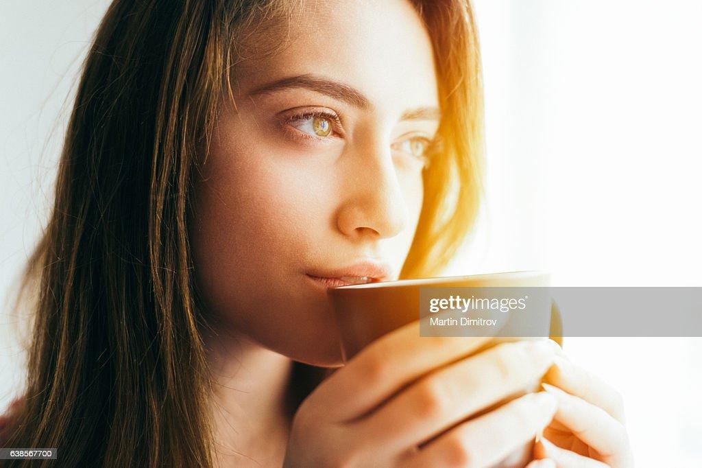 Garota despertar  : Foto de stock