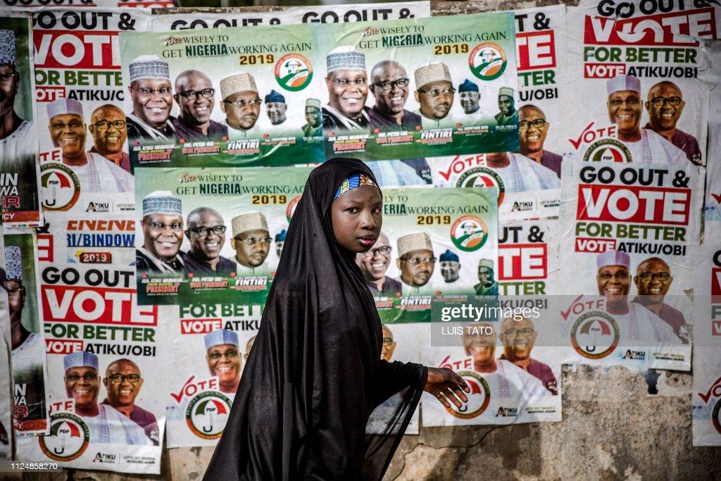 TOPSHOT-NIGERIA-ELECTION-RALLY : News Photo