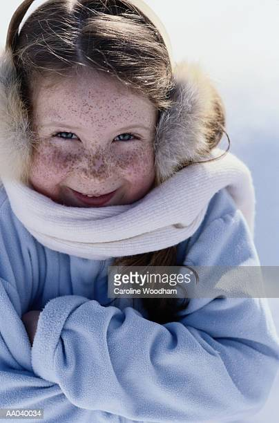 girl (7-9) wearing winter clothing, close-up, portrait - caroline roux photos photos et images de collection