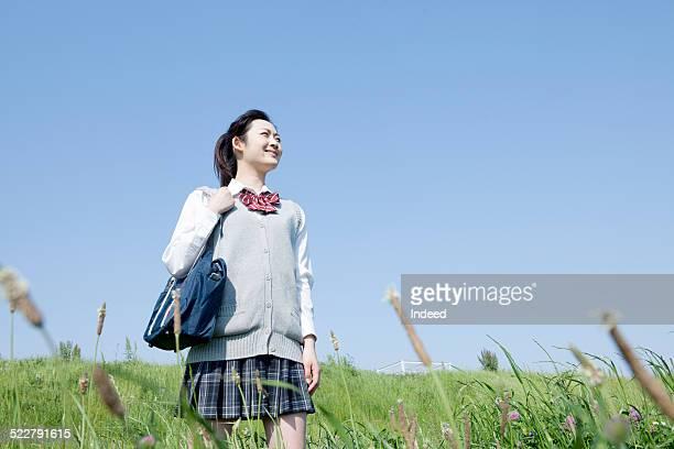 A girl who makes a pose