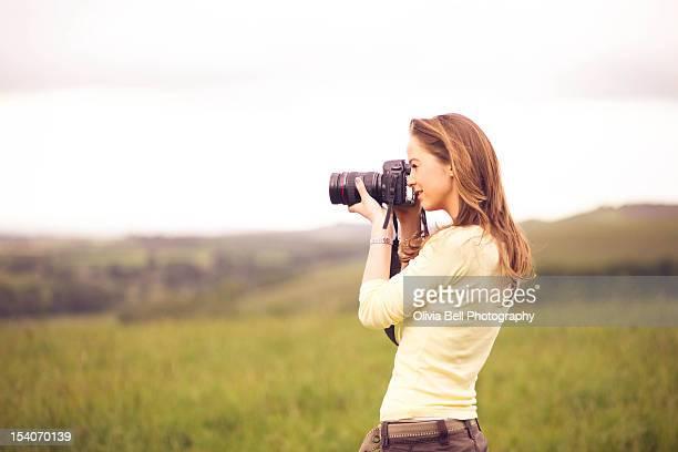 girl with camera - camera girls - fotografias e filmes do acervo