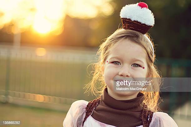 girl with cupcake hair band - girl band stock pictures, royalty-free photos & images