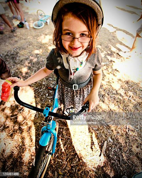 girl with her bike - jennifer mellone foto e immagini stock