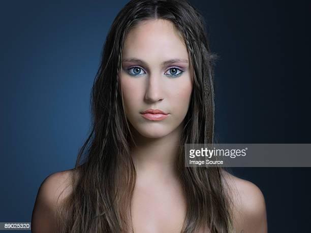 girl with long hair - jeune fille sans vetement photos et images de collection
