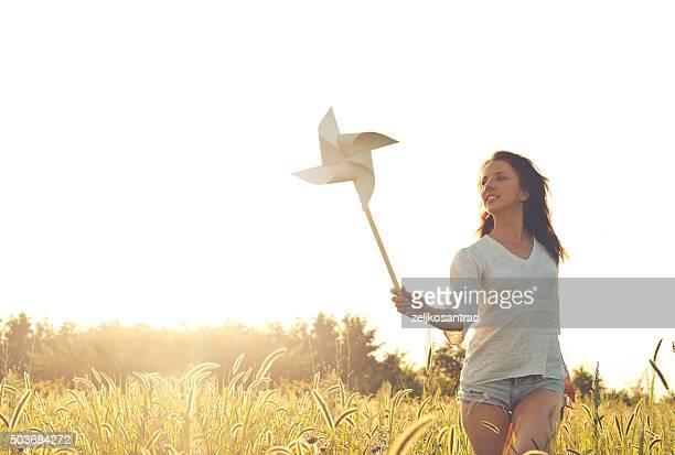 Mädchen mit Windrad