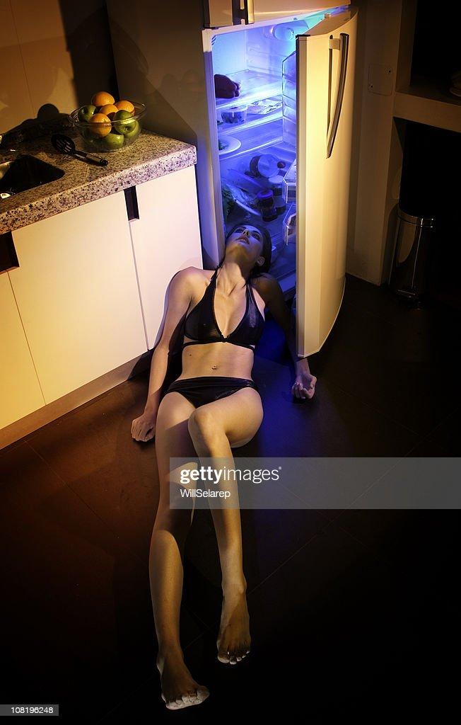 Girl with stifling  hot : Stockfoto