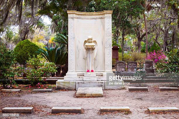 Girl with the Bowl, Bonaventure Cemetery, Savannah