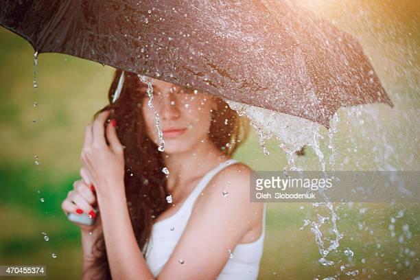 Chica con sombrilla