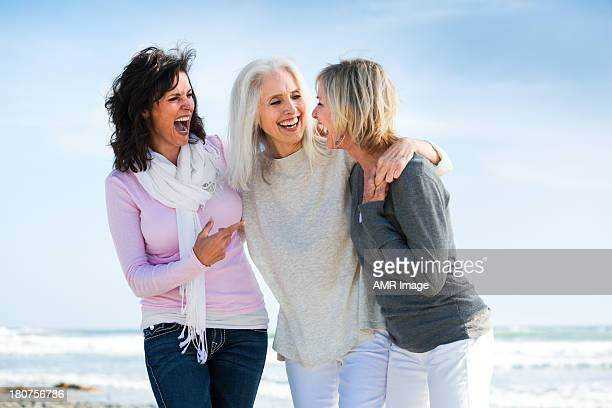 girlfriends for life - 60 64 years stock pictures, royalty-free photos & images