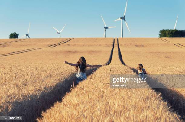 Girls are running the way to wind energy