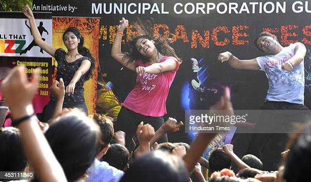 Girls during the fitness dance on the Raahgiri Day organised by the Gurgaon administration along with support from EMBARQ India Pedal Yatris NMT...