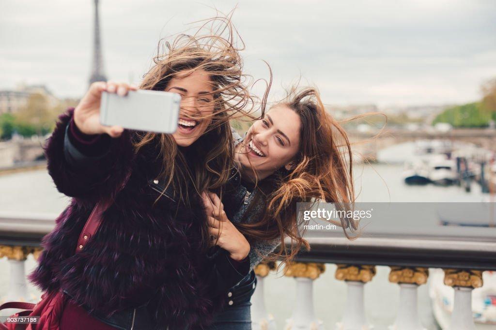 Mädchen genießen Urlaub in Paris : Stock-Foto