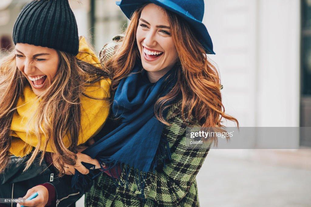 Mädchen, die tolle Zeit zusammen : Stock-Foto