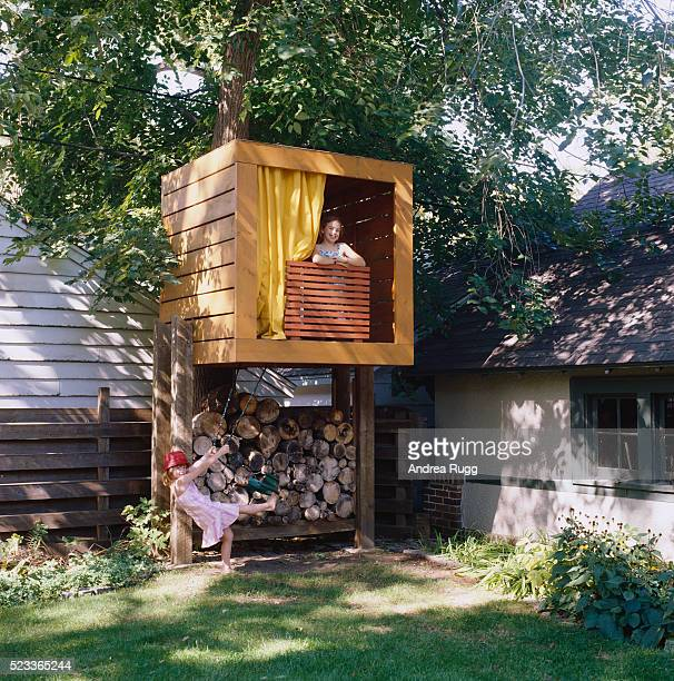 girls playing in tree house - tree house stock pictures, royalty-free photos & images