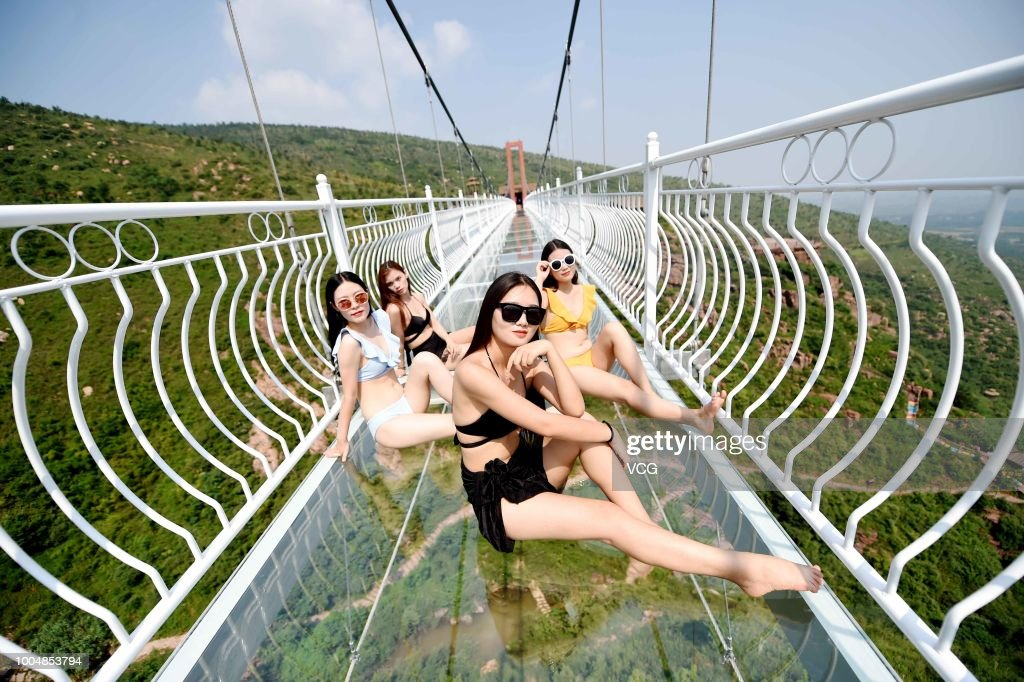 5D Glass Suspension Bridge Opens To Public In Luoyang