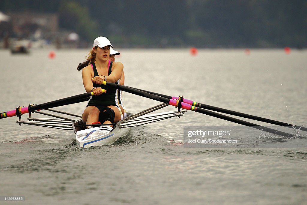 Girls sculling : Stock Photo