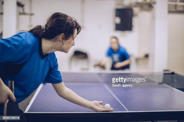 meisjes tafeltennis wedstrijd - kampioenschap stockfoto's en -beelden
