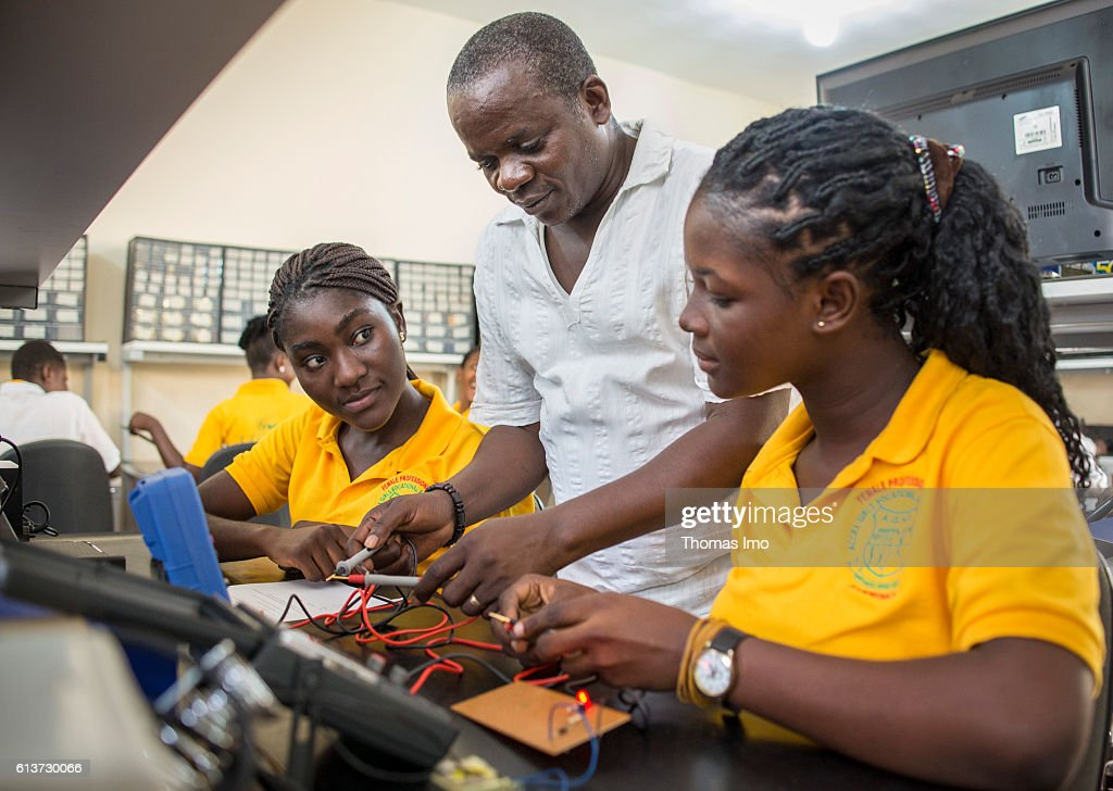 Vocational school for girls in Ghana : Nachrichtenfoto