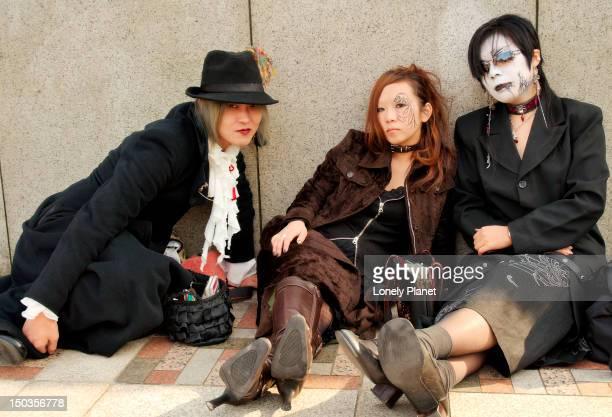 girls wearing japanese youth fashion (goth lolitas), harajuku. - lolitas stock pictures, royalty-free photos & images