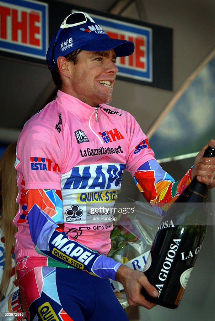 Giro dItalia, stage 16 - Cadel Evans, Mapei in the pink jersey.
