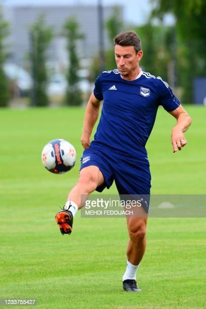 Girodins de Bordeaux's French defender Laurent Koscielny takes part in a training session in Le Haillan, near Bordeaux, southwestern France, on July...