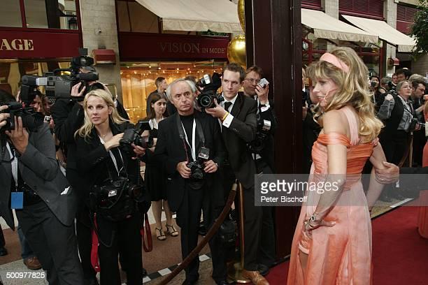 "Gisela Muth, Charity-Veranstaltung, 10. ""Unesco-Benefiz-Gala"", Köln, Deutschland, Europa, ""Maritim-Hotel"", Pressefotografen, roter Teppich, Promi MZ,..."