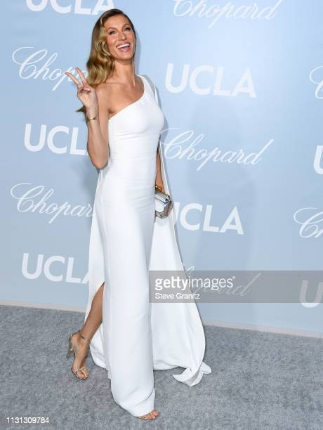 Gisele Bündchen arrives at the Hollywood For Science Gala at Private Residence on February 21, 2019 in Los Angeles, California.