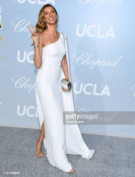 Gisele Bündchen arrives at the Hollywood For Science Gala at Private Residence on February 21 2019 in Los Angeles California