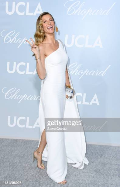 Gisele Bündchen attends the 2019 Hollywood For Science Gala at Private Residence on February 21, 2019 in Los Angeles, California.