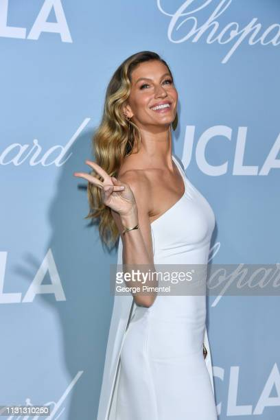 Gisele Bündchen attends the 2019 Hollywood For Science Gala at Private Residence on February 21 2019 in Los Angeles California