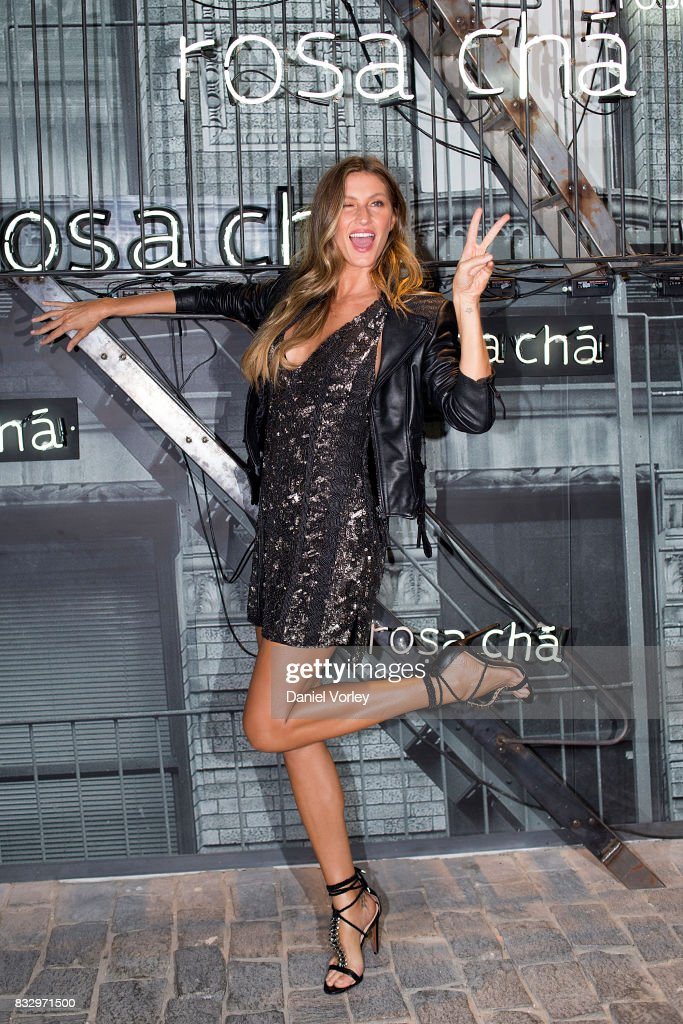 Rosa Cha Presents Gisele Bundchen