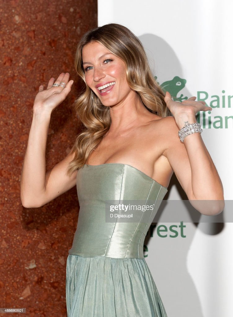 Gisele Bundchen attends the 2014 Rainforest Alliance Gala at the American Museum of Natural History on May 7, 2014 in New York City.