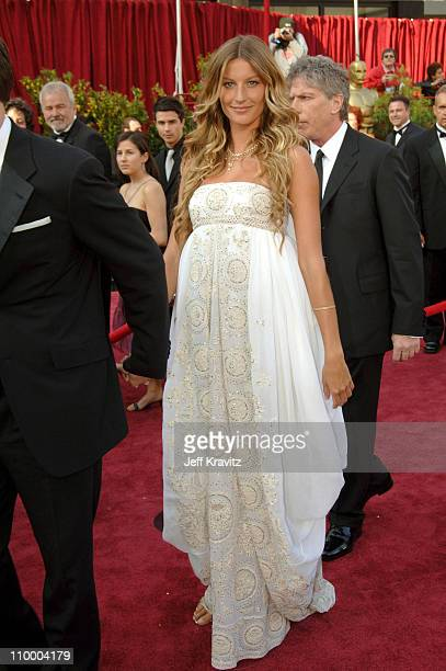 Gisele Bundchen during The 77th Annual Academy Awards Arrivals at Kodak Theatre in Los Angeles California United States
