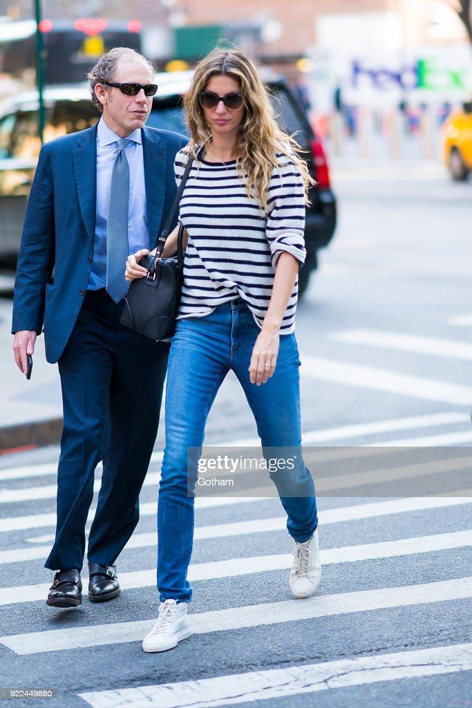 Celebrity Sightings in New York City - February 21, 201 : Nachrichtenfoto