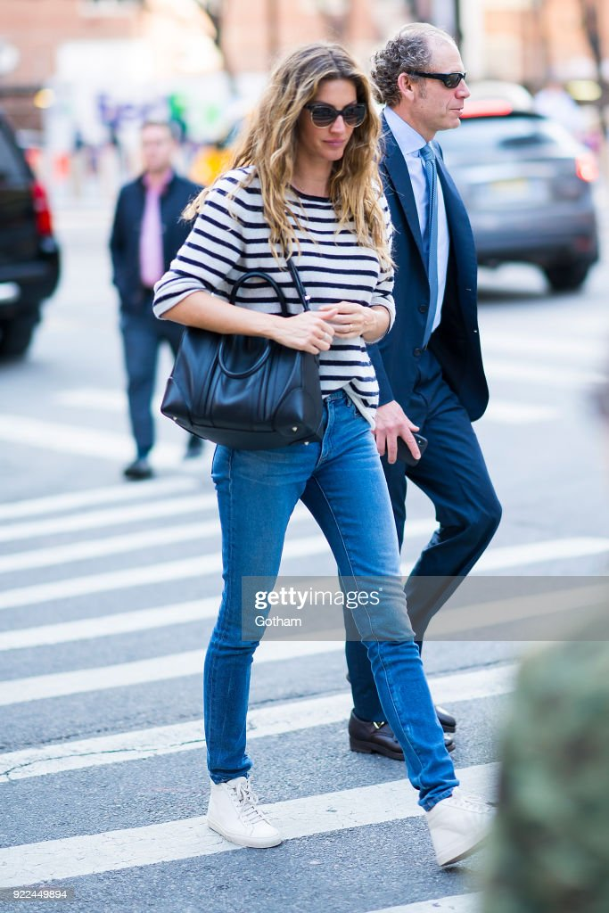 Celebrity Sightings in New York City - February 21, 201 : News Photo