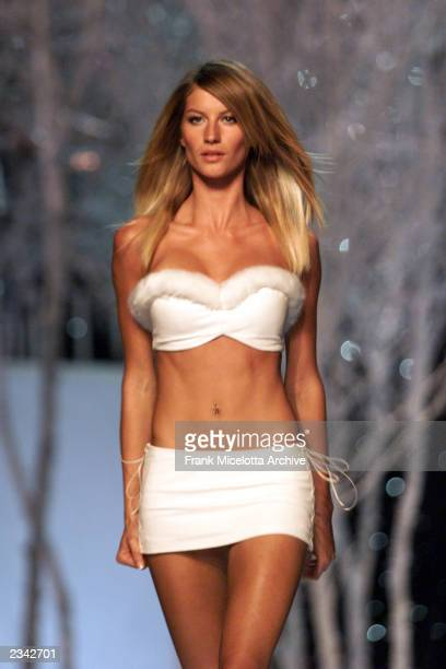 Gisele Bundchen on the runway at the Victoria's Secret Fashion Show 2001 in Bryant Park New York City 11/13/01 The show will air on ABC Television on...