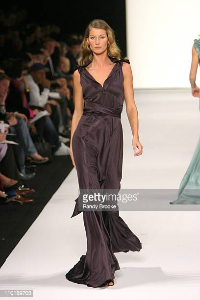 Gisele Bundchen wearing Marc Jacobs Fall 2004 during Olympus Fashion Week Fall 2004 Marc Jacobs Runway at New York State Armory in New York City New...