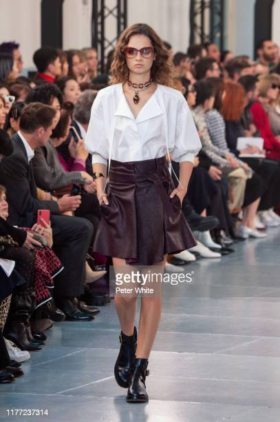 Giselle Norman walks the runway during the Chloe Womenswear Spring/Summer 2020 show as part of Paris Fashion Week on September 26, 2019 in Paris,...