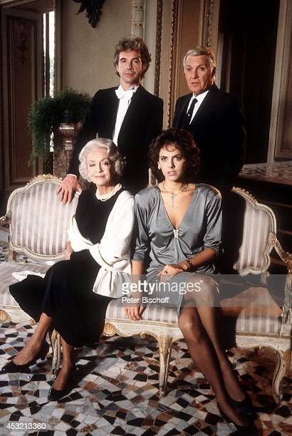 Giselle Pascal Paola Onofri Wolf Roth Franco Fabrizzi in 20teiliger ARD/ORFSerie In bester Gesellschaft am in Como am Comer See Italien
