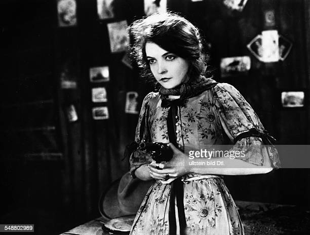 Gish Lilian Actress USA *14101893 Scene from the movie 'The Wind' Directed by Victor Sjoestroem USA 1928 Film Production MetroGoldwynMayer Vintage...