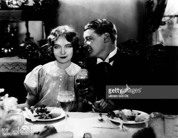 Gish Lilian Actress USA *14101893 Scene from the movie 'The Enemy' with Ralph Forbes Directed by Fred Niblo USA 1927 Film Production...