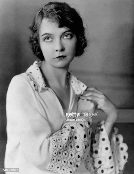 Gish Lillian *14101896oder1893Schauspielerin Filmschauspielerin Stummfilmschauspielerin USAPorträt 1927