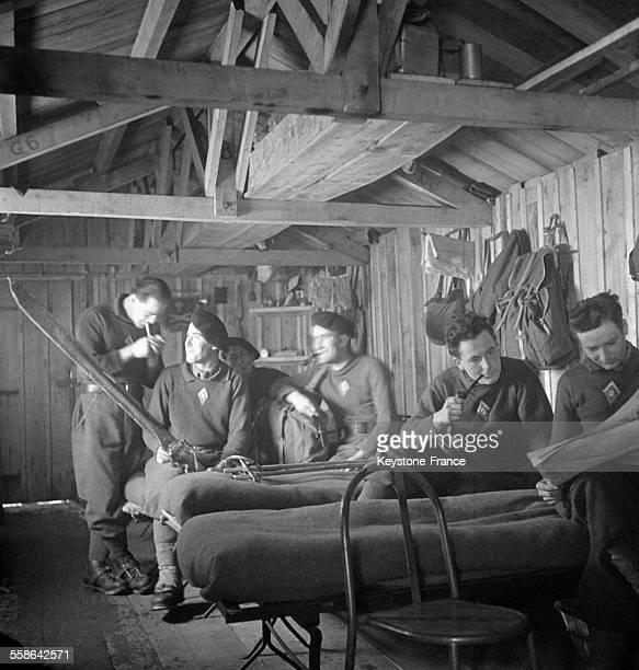 Gite des chasseurs alpins pendant leur entraînement en France circa 1940