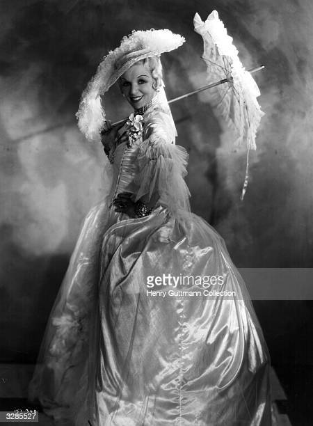 Gitta Alpar as Madame Dubarry in the film 'I Give My Heart' adapted from the operetta success 'The Dubarry' and directed by Marcel Varnel