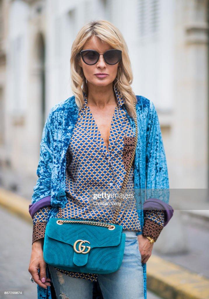 Street Style : Paris Fashion Week Womenswear Spring/Summer 2018 : Day Seven : News Photo