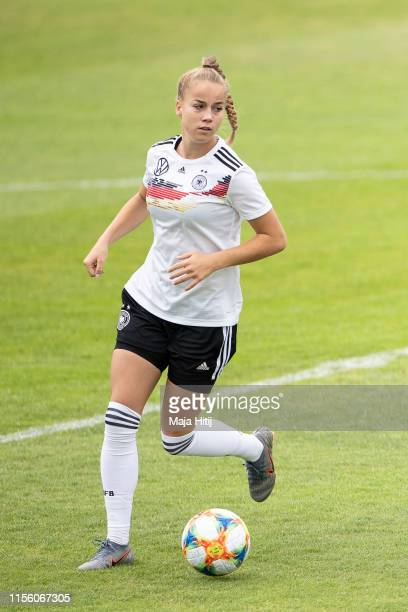 Giulia Gwinn of Germany controls the ball during a training on June 15, 2019 in Montpellier, France.