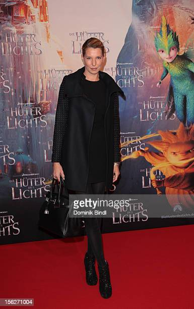 Giulia Siegel attends the 'Die Hueter des Lichts' Germany Premiere on November 12 2012 in Munich Germany