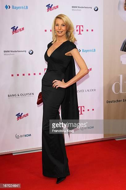 Giulia Siegel Bei Der 20 Verleihung Diva Deutscher Entertainment Preis Im Hotel Bayerischer Hof In München