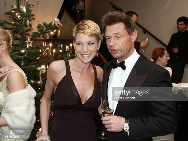 Giulia Siegel Ehemann Dr Hans Wehrmann Internationaler MidoKüsovKulturball Grand Hotel Russischer Hof Weimar Spendengala Gala Fest Weihnachtsbaum...