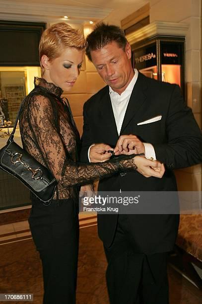 Giulia Siegel Mit Ehemann Hans Wehrmann Bei Der Gala Vip Lounge Im Bayerischen Hof In München Am 130904